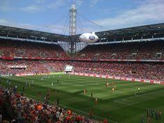 Sommerstimmung im Rhein-Energie-Stadion (1.FC Köln).
