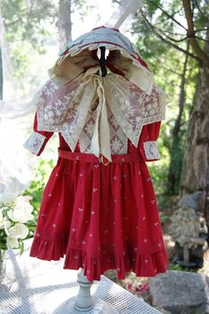 Beautiful dress for German or French antique doll + bonnet!!