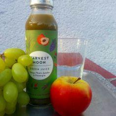 #HarvestMoon – Ein antioxidantischer Fruchtsaft Der Harvest Moon #Mehrfruchtsaft ist eine Alternative zum altbekannten Smoothie. Neben Trauben-, Organen-, Apfel- und Pfirsichsaft beinhaltet dieser Fruchtsaft auch eher außergewöhnliche Zutaten, wie #Weizengras, #GrünerTee, Hagebutte oder Gerstengras. Pure Energie! Pures #Vitamin!