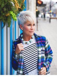 Gray Lace Frontal Wigs eyebrow pencil color for gray hair – Fashion Wigs Grey Wig, Short Grey Hair, Short Hair Cuts, Short Hair Styles, Premature Grey Hair, Chic Over 50, Pelo Pixie, Mature Fashion, Wig Styles