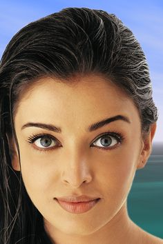 Aishwarya Rai Bachchan long brunette looking Indian opened eyes pink lips faced good Actress Aishwarya Rai, Aishwarya Rai Bachchan, Deepika Padukone, Bollywood Actress, Most Beautiful Indian Actress, Most Beautiful Women, Beautiful Actresses, Gorgeous Eyes, Pretty Eyes