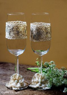 These beautiful hand decorated countryside wedding champagne glasses are perfect for the bride and groom on their toast in their wedding day and then to store away for the anniversaries to come. gunadesign