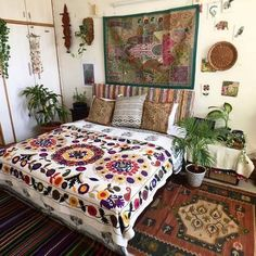Bohemian house decor home ideas beach interior decorating Home Decor Bedroom, Bedroom Design, Bed Design, Bohemian House Decor, Interior, Bohemian Style Bedding, Home Decor, House Interior, Boho Bedroom Decor