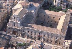 militello, vista aerea della chiesa e dell'ex convento di san benedetto - MILITELLO IN VAL DI CATANIA.  Sicilia-Italia