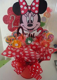 Miney mouse balloon party center piece