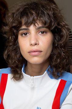 Top 25 Short Shag Haircuts of 2019 - Style My Hairs Curly Hair With Bangs, Curly Hair Tips, Short Curly Hair, Curly Hair Styles, Natural Hair Styles, Curly Mullet, Natural Curls, Curly Girl, Curly Hair Model