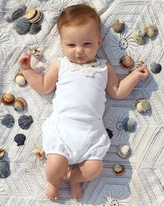 More looks and ideas Kids - First steps on the sand