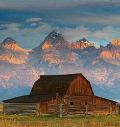 The most photographed barn in the world. Think the backdrop has anything to do with it?