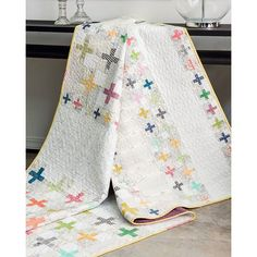 Modern quilt from Amy Ellis book MODERN HERITAGE QUILTS with Martingale