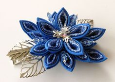 Kanzashi fabric flower hair clip. Blue kanzashi. Blue flower hair clip. Japanese hair piece. Oriental hair clip. by JuLVa on Etsy