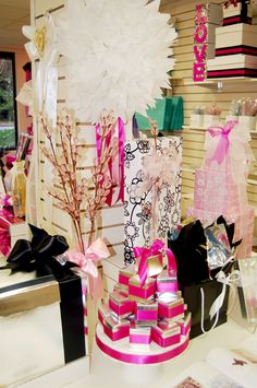 Creative Packaging is North America's leading food, gift , party & retail packaging company for Business & Personal. Retail Packaging, Wedding Favours, Big Day, Living Spaces, Studios, Centerpieces, Reception, Interiors, Weddings