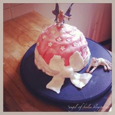 * Angel of Berlin: [bakes...] Fairy Cupcakes II - a Giant Cupcake