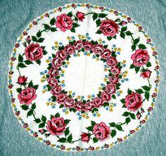 Vintage Round w/Scalloped Edges Cotton Hankie Roses