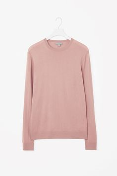 COS image 4 of Cashmere round-neck jumper in Pale Pink
