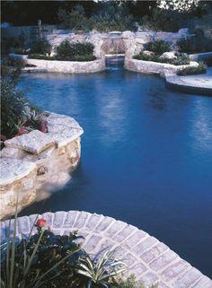 Photo: Swimming pools and Spas, inc., Singapore