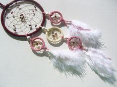 Rosa -weißer Traumfänger mit Rubin von Traumnetz-com :  Traumfänger, Schmuck, Bilder auf DaWanda.com