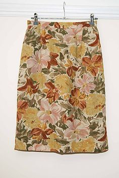 Vintage St Michael (M & S) Floral Pencil Skirt - Size 10 - Made In The UK