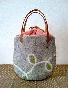 羊毛フェルト パステルカラーのバッグ|Craft Cafe(クラフトカフェ)