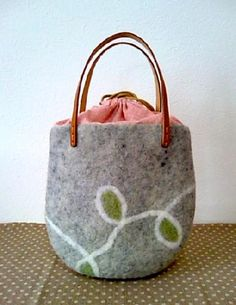羊毛フェルト パステルカラーのバッグ Craft Cafe(クラフトカフェ)