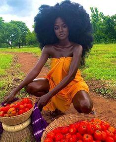 Beautiful Dark Skinned Women, Beautiful Black Girl, Beautiful Beautiful, Black Girl Magic, Black Girls, Curly Hair Styles, Natural Hair Styles, Mode Poster, Pelo Afro