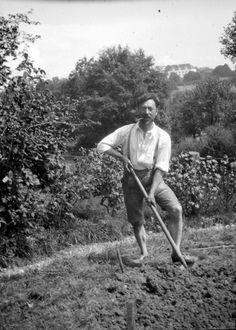 Vasily Kandinsky (1866-`1944). Gabriele Munter and Vasily Kandinsky, 1902-14: A Life in Photographs. Solomon R. Guggenheim Museum.