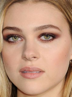 Close-up of Nicola Peltz at the 2015 InStyle Awards. http://beautyeditor.ca/2015/11/02/instyle-awards-2015