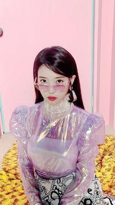 Pink clear vinyl long-sleeved blouse paired with black and white printed skirt. Girls wanna have some fun Iu Fashion, Korean Fashion, Korean Celebrities, Celebs, Korean Girl, Asian Girl, Cosmic Girl, J Pop, Korean Singer