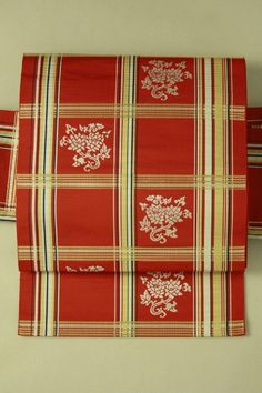 Scarlet nagoya obi / 緋色地 織りの格子と花唐草柄 六通柄八寸名古屋帯   #Kimono #Japan http://global.rakuten.com/en/store/aiyama/