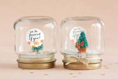 20 Latest Christmas Party Favor Ideas - Christmas is slowly approaching and we're sure you are already planning about this year's Christmas Party. Whether you're hosting a small house party or a large party , Christmas Party Favors are an essential part … All Things Christmas, White Christmas, Christmas Holidays, Christmas Crafts, Christmas Snacks, Christmas Candy, Christmas Trees, Diy Snow Globe, Snow Globes
