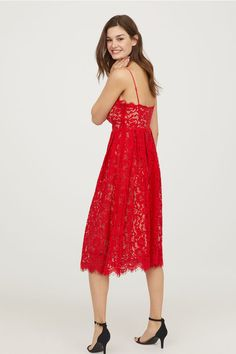 Calf-length lace dress with a V-neck and narrow, adjustable shoulder straps. Seam and concealed zip at the waist, and a flared skirt. H&m Online, Flare Skirt, Fashion Online, Lace Dress, Kids Fashion, V Neck, Formal Dresses, Skirts, Shopping