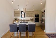 Home Interior: Catalog design of interior decorating tips