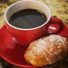 Um cafezinho da tarde garante que o dia continue produtivo! ;) #coado #passadonahora #melitta