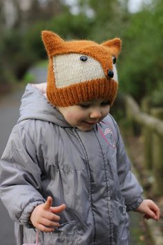 strikket lue rev I can think of someone who would look great in this, can you Milsaps L Milsaps L Williamson? Knitting Pattern Foxy & Wolfie Toddler Child Adult by KatyTricot Knitting For Kids, Knitting Projects, Baby Knitting, Crochet Projects, Free Knitting, Häkelanleitung Baby, Baby Kind, Knit Or Crochet, Crochet Hats