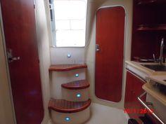 Interni del Saver 330 Sport  #yacht #barcamotore #barcaamotore #yachting    Saver 330 Sport - natante   Anno costruzione: 2007   Anno immatricolazione: 2008  Motori 2xMCM 5.0 L benzina    www.nauticaeasy.com for more information / per maggiori informazioni