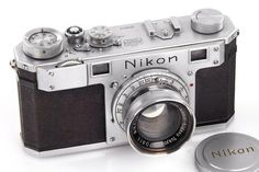 The oldest surviving Nikon camera is now also the most expensive. We reported back in October that the third Nikon 1 rangefinder ever made would be hitting the auction block at Westlicht with an es… Cameras Nikon, Nikon Digital Camera, Old Cameras, Digital Slr, Antique Cameras, Vintage Cameras, Photos Vintage, Camera Aesthetic, Still Camera