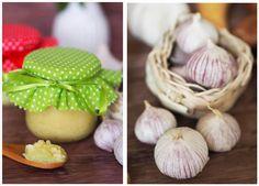 Knoblauchpaste-der-einfach-Weg-Knoblauch-immer-griffbereit-zu-haben Tapas, Diy Food, Pesto, Diy Gifts, Onion, Garlic, Grilling, Clean Eating, Food And Drink
