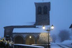 Un espectáculo la nieve en la noche