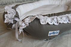 Kokon niemowlęcy w odcieniu szarości z bawełnianą koronką babynest BABYLY - all for baby
