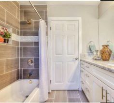 Flip Flops Bathroom Decor Awesome From Hgtv S Flip or Flop Love the Large Tile In the Shower ♡ Bathroom Ideas ♡ Home, Bathroom Decor, Bathroom Redo, House Bathroom, Home Remodeling, Bathrooms Remodel, New Homes, Bathroom Makeover, House