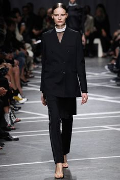 Givenchy Spring 2013 Ready-to-Wear Fashion Show - Tilda Lindstam