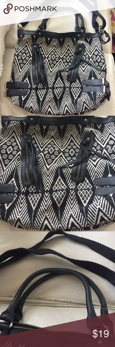 American Eagle outfitter southwestern print purse 16 x 14 Inches  Good condition, from a smoke free home American Eagle Outfitters Bags Shoulder Bags