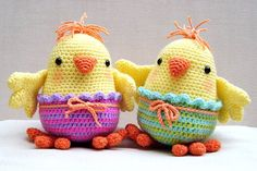 http://www.amigurumipatterns.net/shop/Moji-Moji-Design/Chelsea-and-Charlie-Chick/