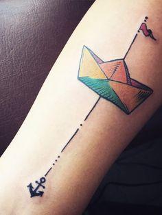 Sofort lossegeln. Darauf macht diesesausgefallene Tattoo Bock!Gesehen bei @edgomz