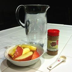 What The Sparkle: Apple Cinnamon Detox Water  1 fuji apple, 1 stick .5 tsp cinnamon, 1 pitcher of water, add lemon to keep fresh
