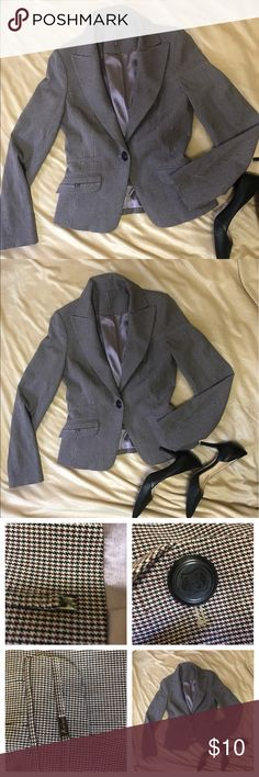 Guess by Marciano size M Very good condition, very appropriate for the office 😊👌🏼🌼🌼 Guess by Marciano Jackets & Coats Blazers