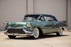 Cadillac Eldorado Biarritz 1957 - source 40s & 50s American Cars.