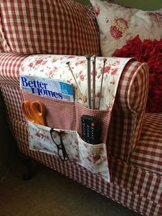 Corral Bedside Clutter with a Custom Organizer Caddy - Quilting Digest Bedside Organizer, Bedside Caddy, Bed Organiser, Remote Caddy, Remote Control Holder, Sewing Hacks, Sewing Crafts, Sewing Projects, Bed Caddy