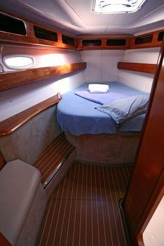 Yacht Charter - Bavaria 42 Cruiser (3Cab)