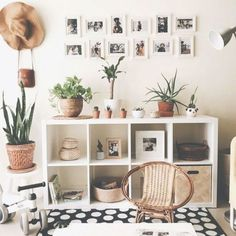 5 Awesome Unique Ideas: Feminine Minimalist Decor Lights minimalist home list Minimalist Living Roo Small Apartments, Small Spaces, Living Room Decor, Bedroom Decor, Living Rooms, Bedroom Ideas, Deco Boheme, Home Decor Pictures, Minimalist Kitchen