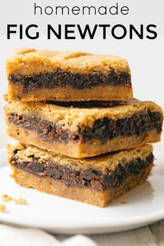 Just dried figs and a super simple crust recipe. Made in an brownie pan so you don't have to roll and stuff the cookies! The best bar cookies for kids lunch boxes! Brownies, Fig Cookies, Cookies Et Biscuits, Homemade Fig Newtons, Baking Recipes, Cookie Recipes, Fig Cake, Dried Figs, Sweets